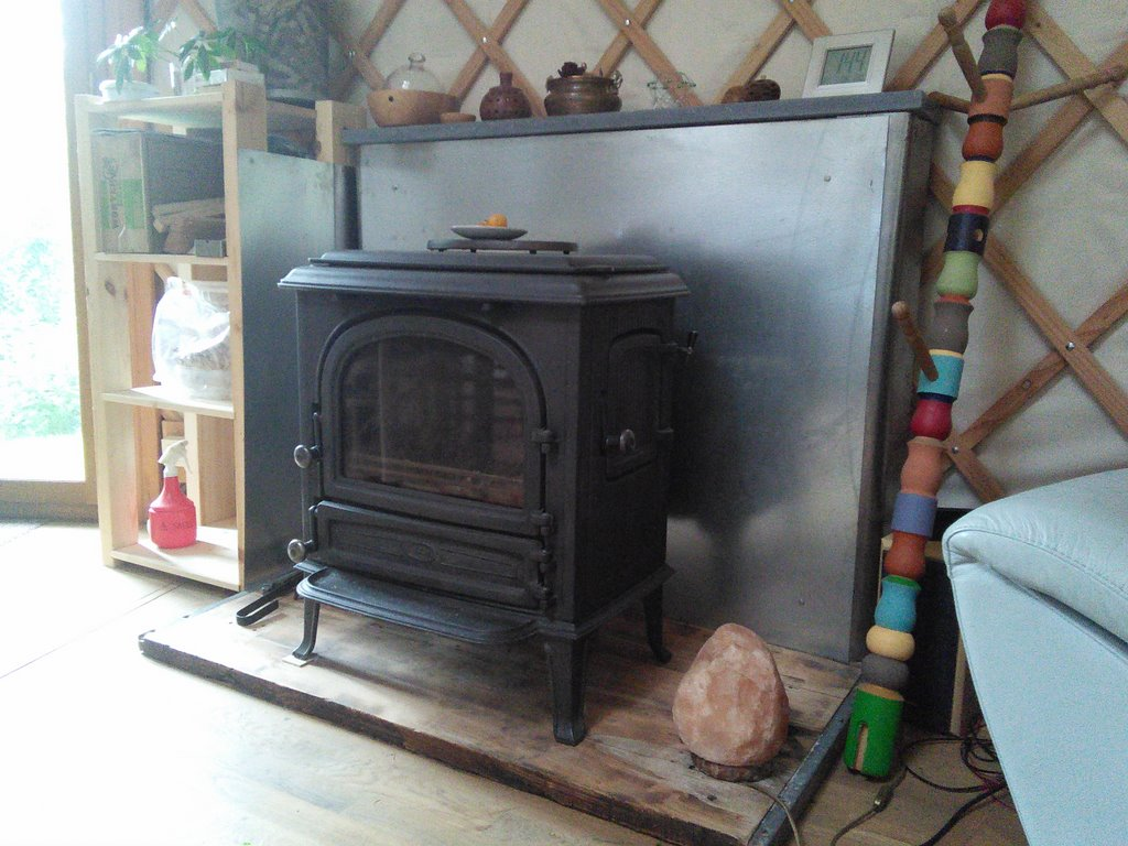 poele a bois yourte. Black Bedroom Furniture Sets. Home Design Ideas